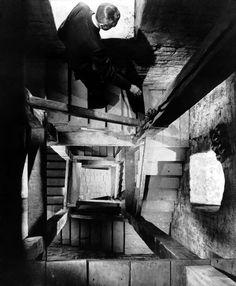 perspective. Alfred Hitchcock - Vertigo (1958)