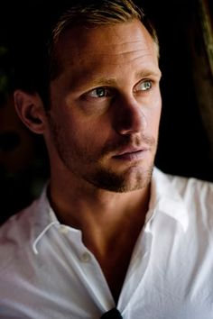 Alexander Skarsgard. If you think he'd be a great Jamie Fraser, and you know what I mean by that, repin.