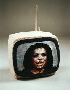 Oprah Winfrey on the knithacked teevee. http://wp.me/pjlln-d5 #knit #knithacker #oprah
