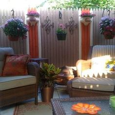 """backyard. i like the painted fence and decor. Patio """"small"""" Design, Pictures, Remodel, Decor and Ideas - page 33"""
