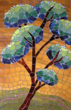 christin brallier, mosaics, mosaico, mosaic tree, glass mosaic, tree mosaic, stain glass, ray ban sunglasses, mosaic art