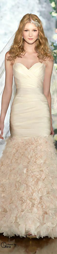 Wedding Dress ● Martina Liana