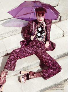 Violet. #fashion #editorial #photography #umbrella #moda #fotografía #paraguas