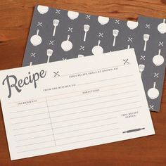 DIY free recipe cards -- interactive so you can type in your recipes before printing!