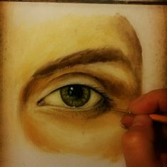 How to paint a realistic eye. Online art class. http://www.mixedmediatutorials.com/2014/06/06/learn-how-to-paint-a-realistic-eye/