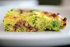Easy Paleo Frittata loaded up with broccoli and whatever leftover protein you've got on hand -- nice. Great for Phase 3 of the #FastMetabolismDiet