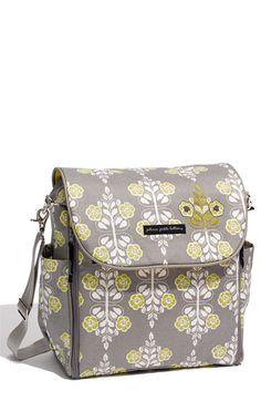 Diaper bag. I like this style.