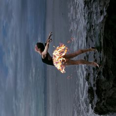 bailarina on fire