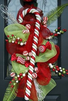 christmas wreaths, candi, christmas candy, front doors, candy canes, candy cane wreath, mesh wreaths, christmas swags, christmas door