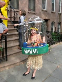 DIY Hawaiian girl snow globe