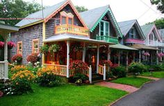 Honeymooned in Cape Cod. Martha's Vineyard...loved these gingerbread cottages. Would love to go back with the girls.