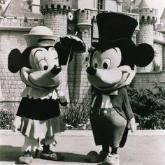 Vintage Disneyland... awesome!