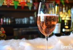 Confessions of a {Festive} Mixologist: Kir Royale #DIY #Cocktails #Holiday
