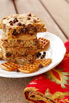 Chocolate chip caramel pretzel cookie bars