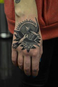 I love hand tattoos