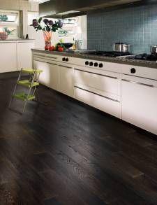dark wood floors - no red