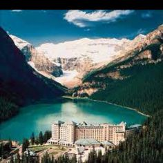 fairmont chateau lake louise! I want to go so badly!! One day!: