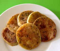 Healthy Fried Green Tomatoes - You don't have to be Southern to enjoy these healthy Fried Green Tomatoes.