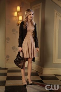 """Gossip Girl """"Salon Of The Dead"""" Pictured: Ella Rae Peck as LolaPHOTO CREDIT: GIOVANNI RUFINO / THE CW ©2011 THE CW NETWORK. ALL RIGHTS RESERVED"""