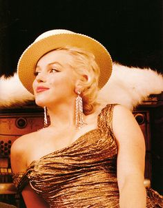 straw hats, marilyn monroe, vintage glamour, real beauty, the dress, beauti, norma jean, marilynmonro, stay gold