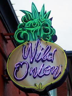 Wild Onion ~ Awesome Figural Onion Neon Sign. Minneapolis, Minnesota #food