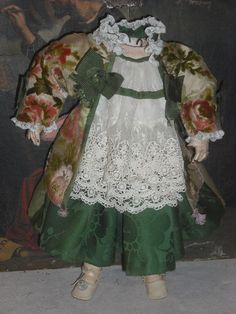 ANTIQUE LINEN & SILK DRESS FOR FRENCH BEBE or GERMAN DOLL attic condition
