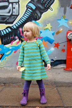 Nova: sweet knitted dress, pattern by petitpurls designed by Signe S Simonsen