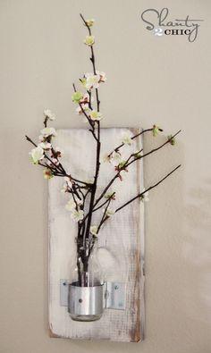 $5 DIY Wall Vase from a Starbucks bottle... LOVE