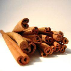 Cinnamon Stick Fragrance Oil - A full bodied scent of rich spicy cinnamon.  This fragrance oil is infused with natural essential oils, including Cinnamon, Clove, Cinnamon Bark and Nutmeg.