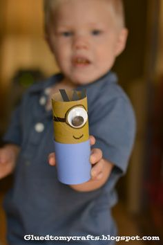 Despicable Me Minions made out of toilet paper rolls - Such a fun craft for kids!