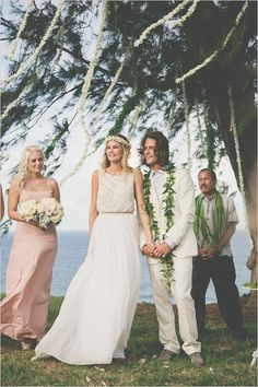 Hawaiian Wedding Ideas #outdoorwedding #hawaiianwedding #weddingchicks http://www.weddingchicks.com/2014/04/23/destination-hawaiian-wedding/