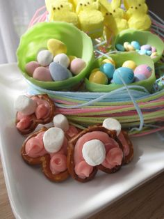 Bunny Butt Pretzel Bites - Using colored icing and marshmallows.  Easy & adorable!
