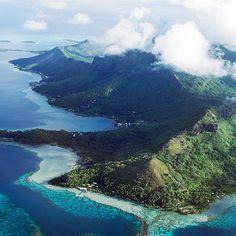 French Polynesia. Via T+L (www.travelandleisure.com).