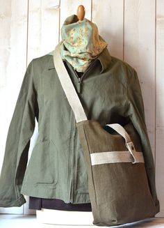 French Messenger bag / Cross body bag in MOSS Green