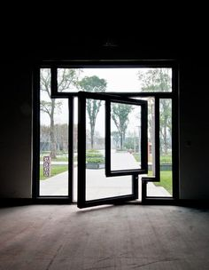 Pivot glass door
