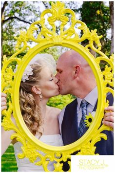 IKEA UNG DRILL frame + spray paint = Perfect for adorable wedding photos!
