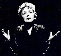 Edith Piaf (Edith Giovanna Gassion), La Môme Piaf