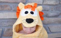 Como hacer un toallon con capucha de leon