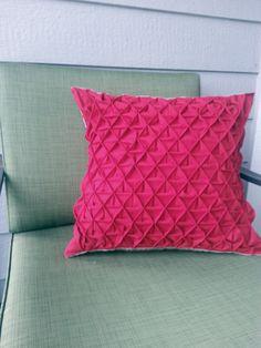 Pintuck Pillow Tutorial « Sew,Mama,Sew! Blog
