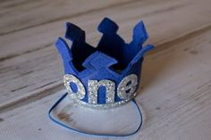 """Perfect props for a """"royal"""" #smashcake celebration 