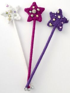 Princess Wand & Tiara | Yarn | Free Knitting Patterns | Crochet Patterns | Yarnspirations