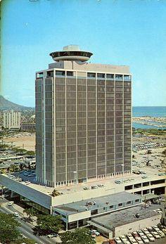 postcard - La Ronde Restaurant, Honolulu