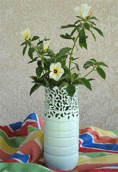 Vaso para flores feitos com garrafa pet modelada com ferro de solda