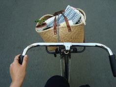 bicycles, summer picnic, wicker baskets, cruiser bikes, bike rides, cycling, danishes, aquarius, bags