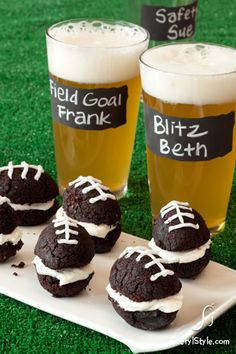 Football themed glassware for the big game! #superbowl #DIY
