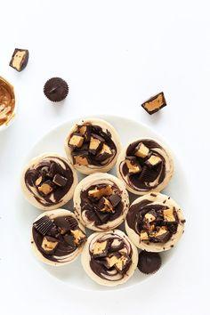 Vegan Peanut Butter Cup Cheesecake | Minimalist Baker Recipes