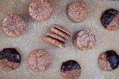 Chocolate macarons d