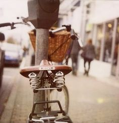 *Lovely Clusters - The Pretty Blog: Mellow Monday: I am a Bicycle Thief