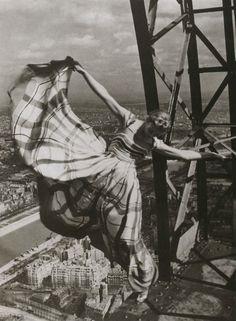 Dancing on La Tour Eiffel