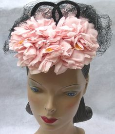 1940s vintage hat with pink flowers